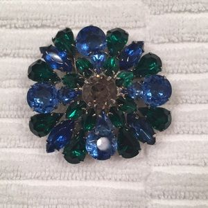 Jewelry - Vintage jewelry - matching pins and earrings